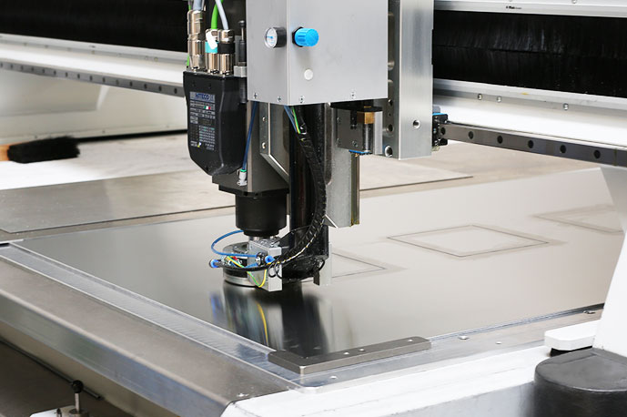 High-precision CNC machine for processing of the cut-outs